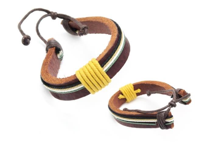 Bransoletka pasek skórzany ze sznurkiem