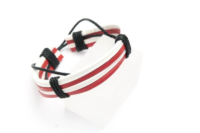 Bransoletka rzemień syntetyczny biało-czerwony