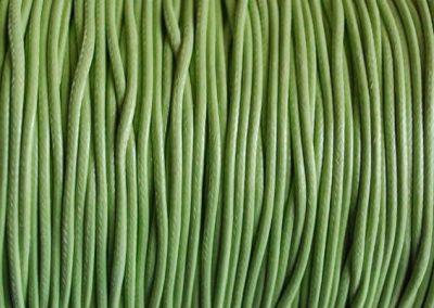 Sznurek lakierowany pistacja